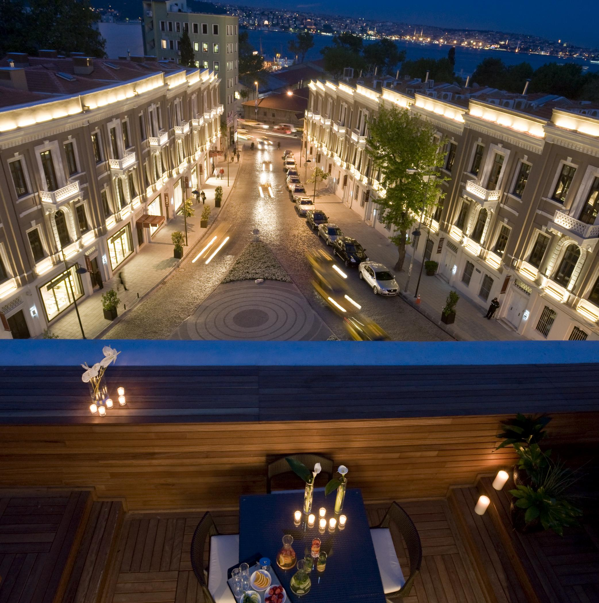 W hotels debuts in europe with the opening of w istanbul for Educa suites istanbul