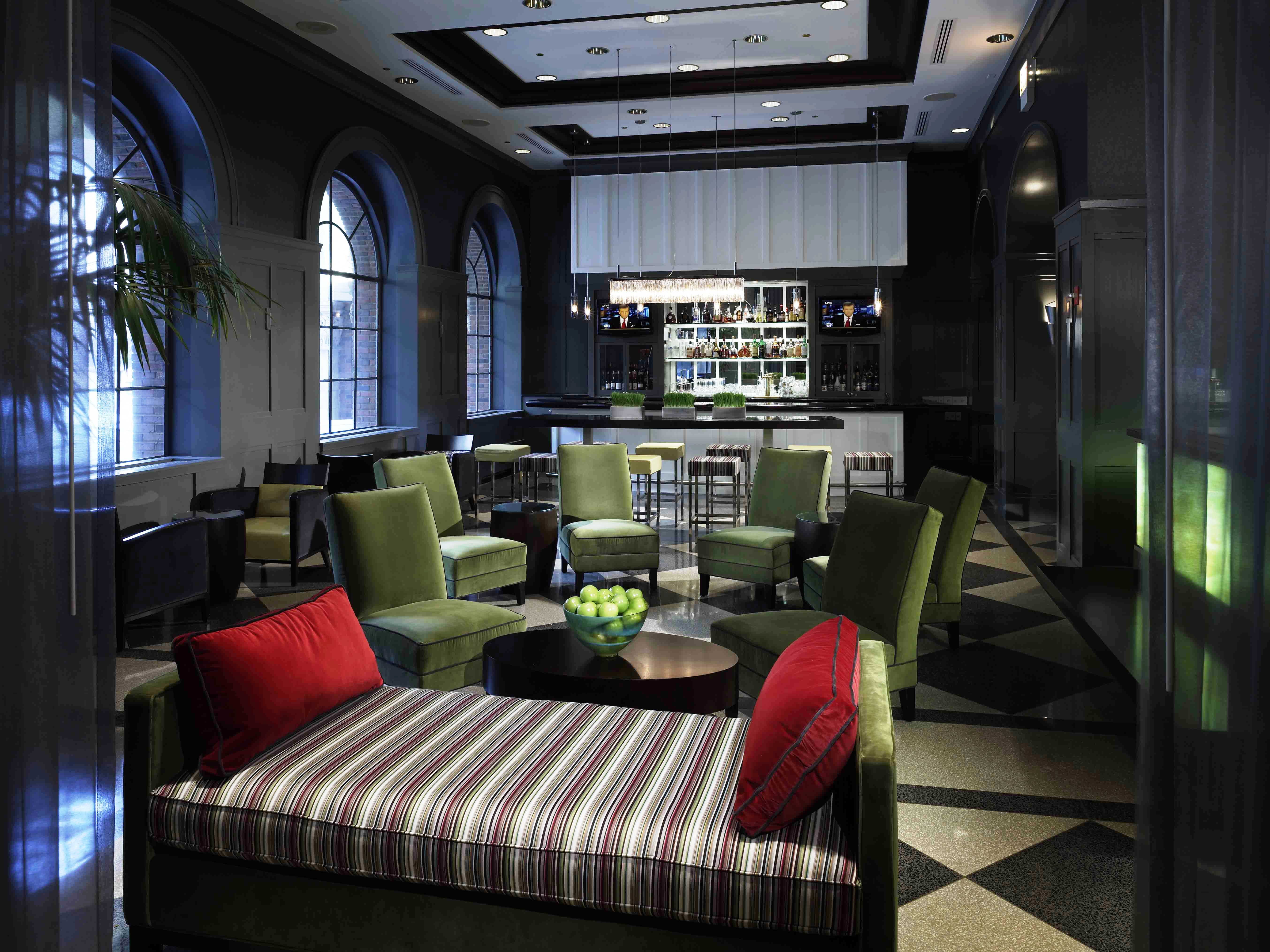 The allerton hotel chicago recieves the most nominations of any hotel in prestigious hospitality - Deco lounge oud en modern ...