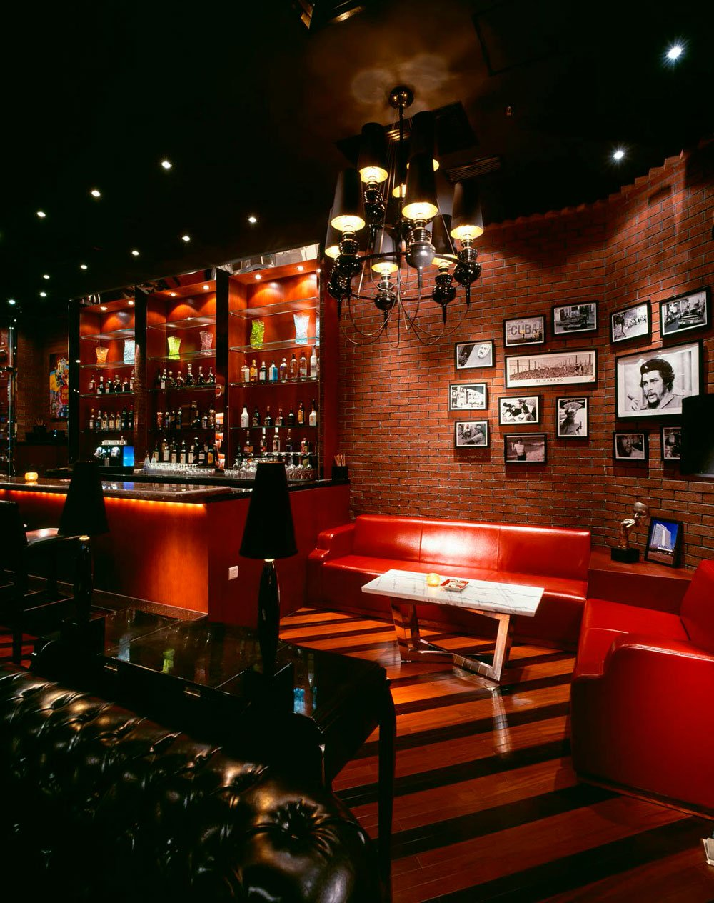 New libre cigar lounge at hilton shanghai for Decoration bar lounge
