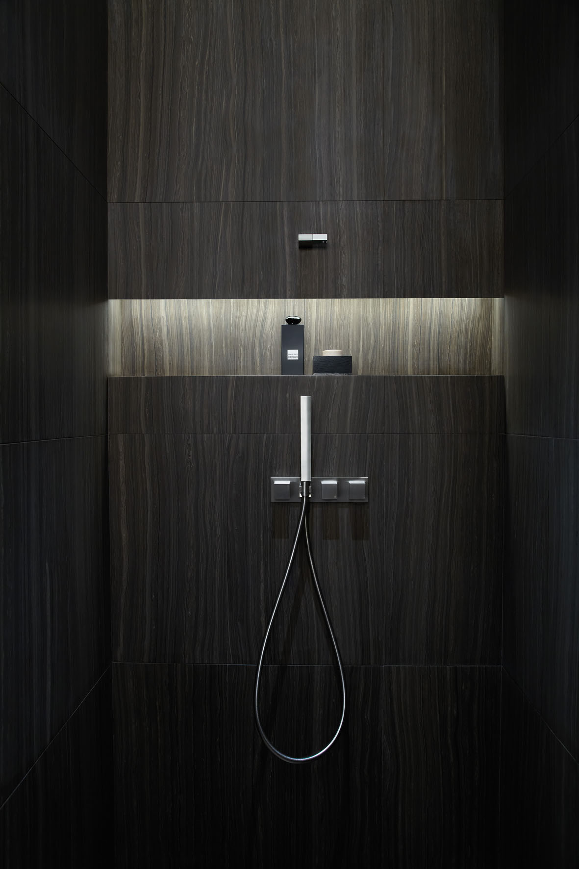 World s first armani hotel unveiled in burj khalifa dubai for Bathroom strip light