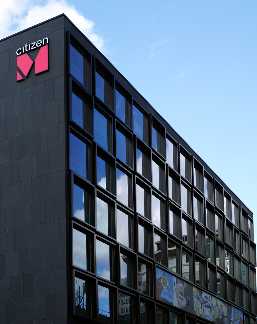 Citizenm goes international with a new hotel in scotland for Citizenm hotel london