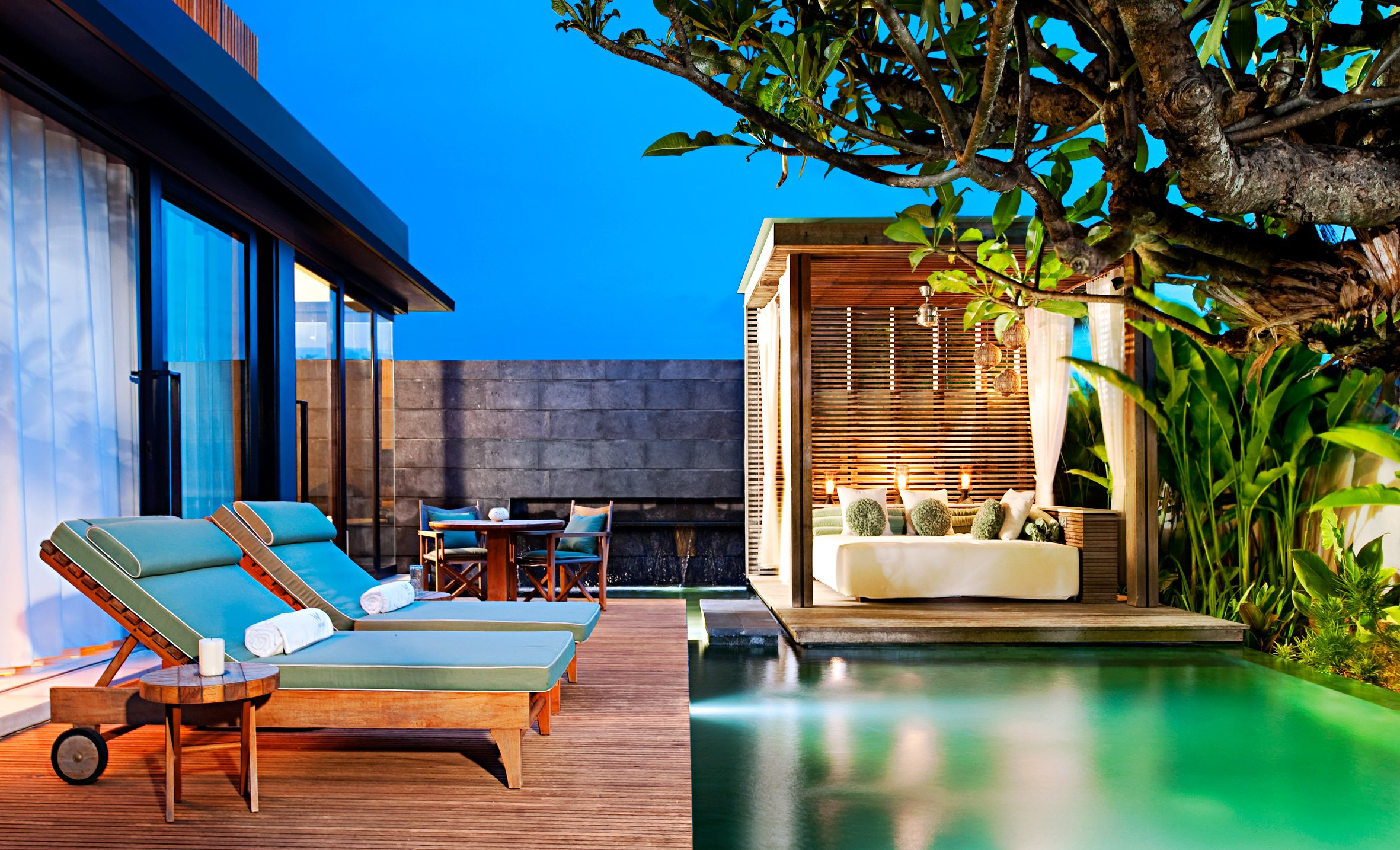 W hotels worldwide unveils w retreat spa bali seminyak for Cheap hotels in bali