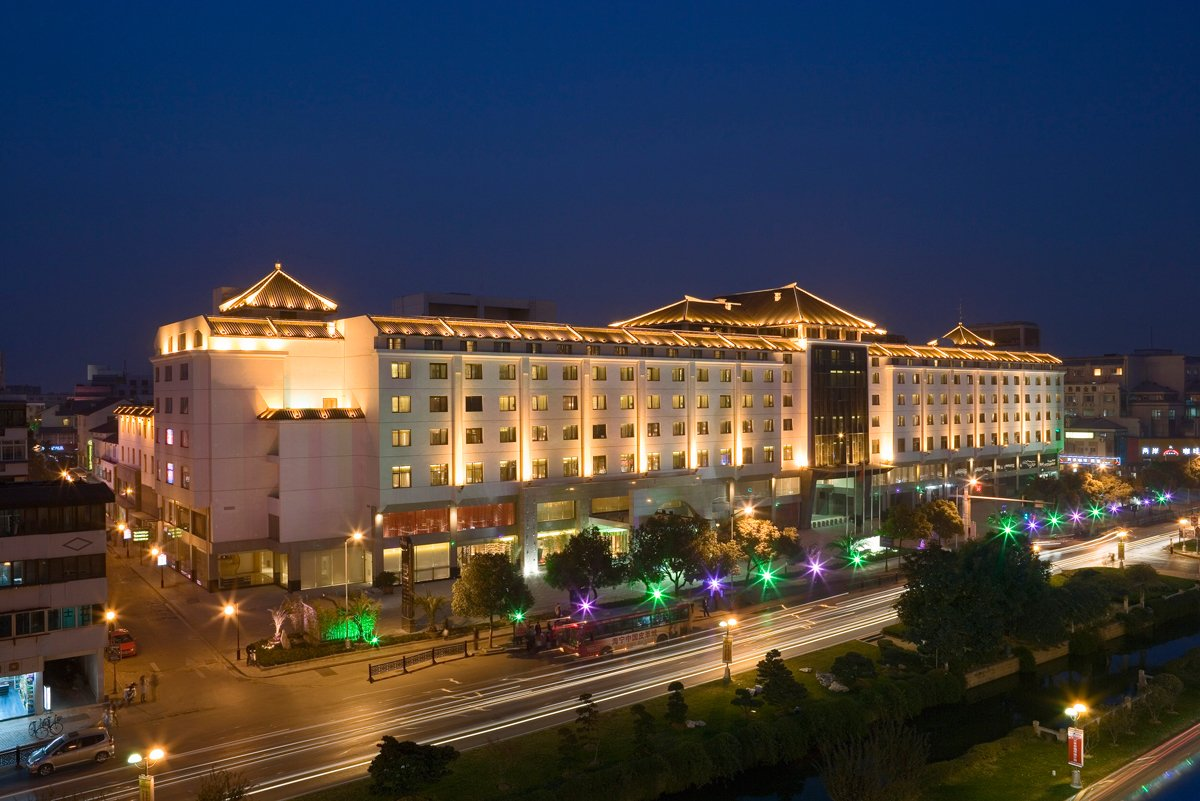 Marco polo assumes management of a 5 star hotel in suzhou china
