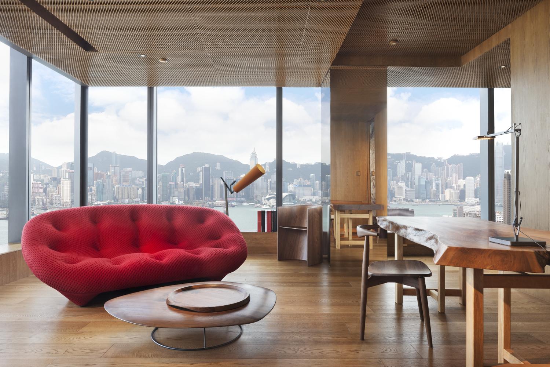 Hong kong s hotel icon unveils designer suite by vivienne tam for Designer hotel