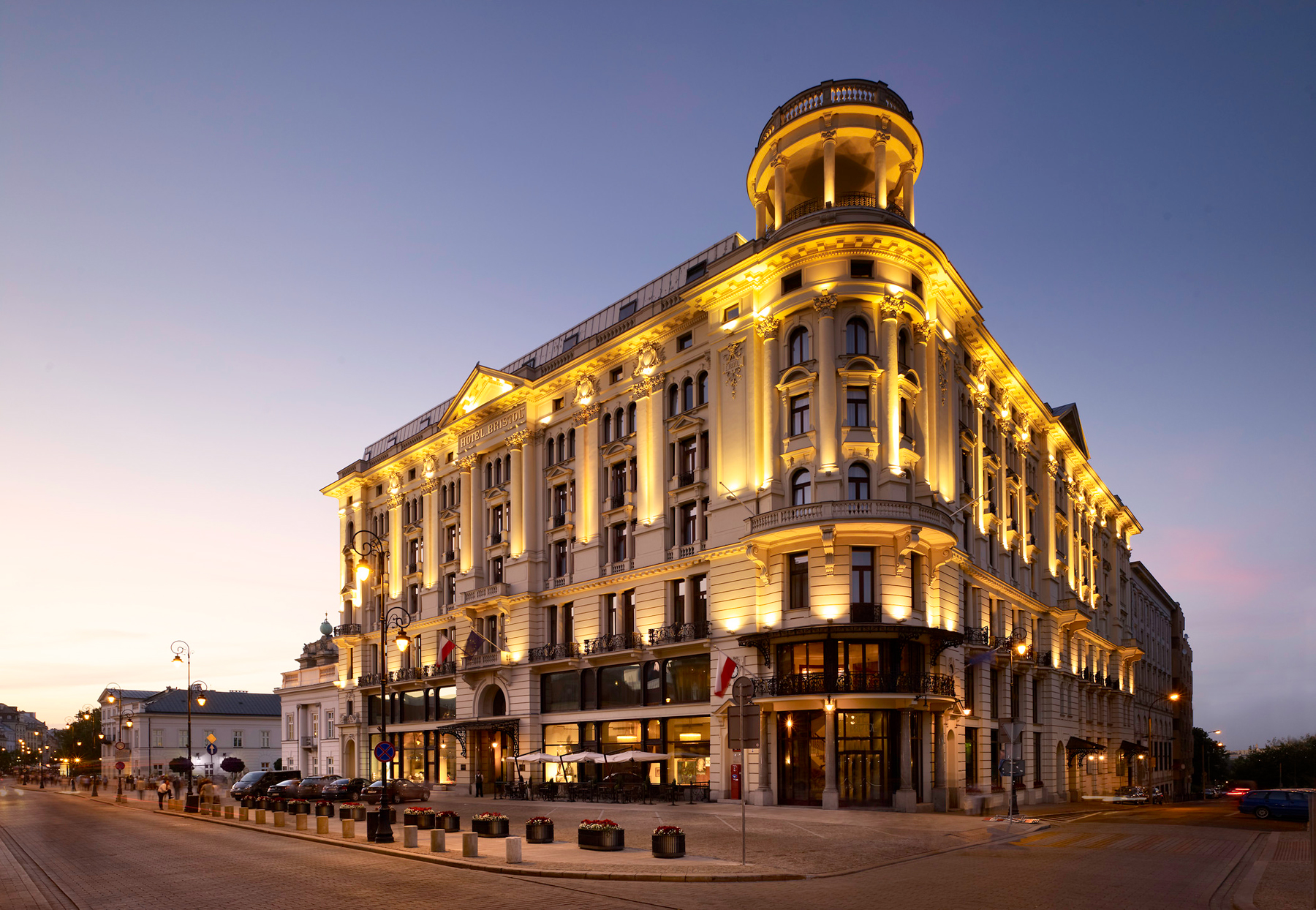 The luxury collection hotels resorts debuts in poland for Hotel luxury