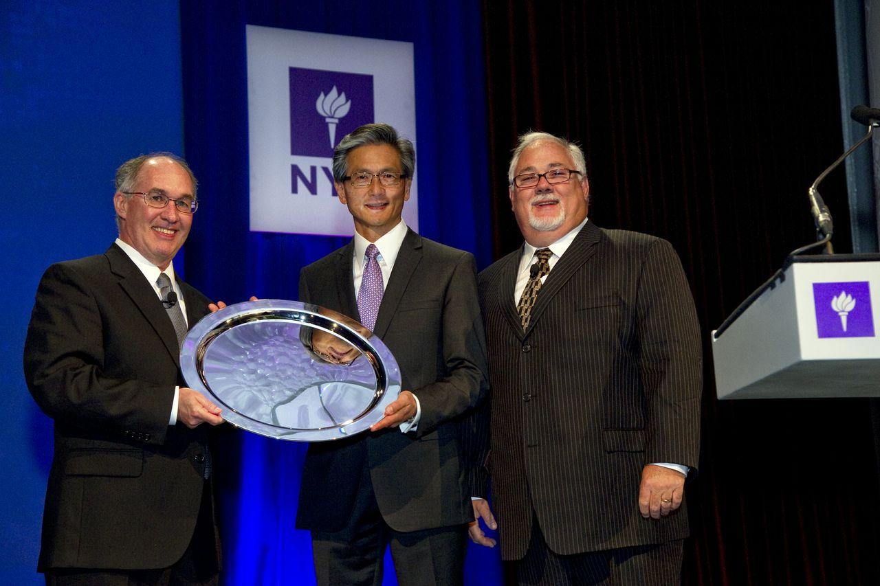 David Kong Receiving The Stephen W Brener Award