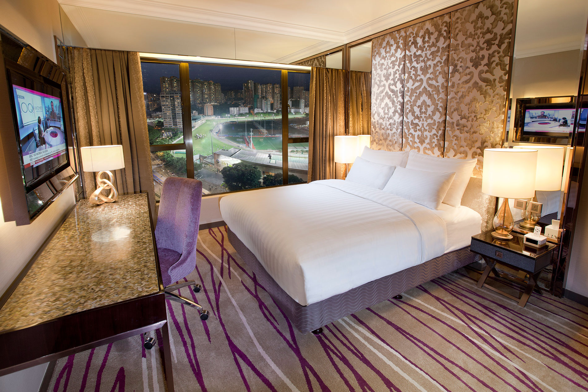 Newly Refurbished Grand Deluxe Room At Cosmopolitan Hotel