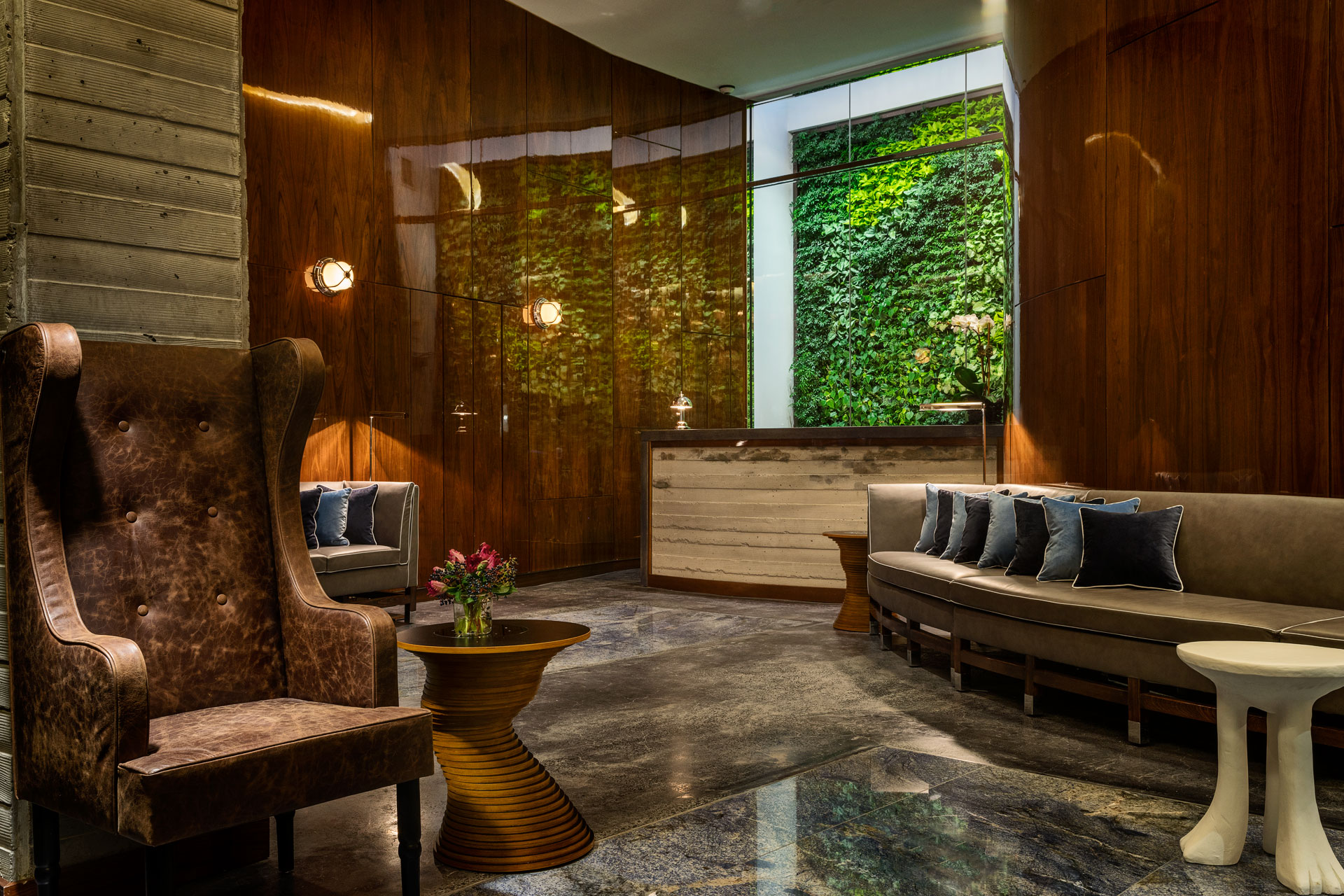 New york s hotel hugo opens its doors with the latest in for Boutique hotel new york