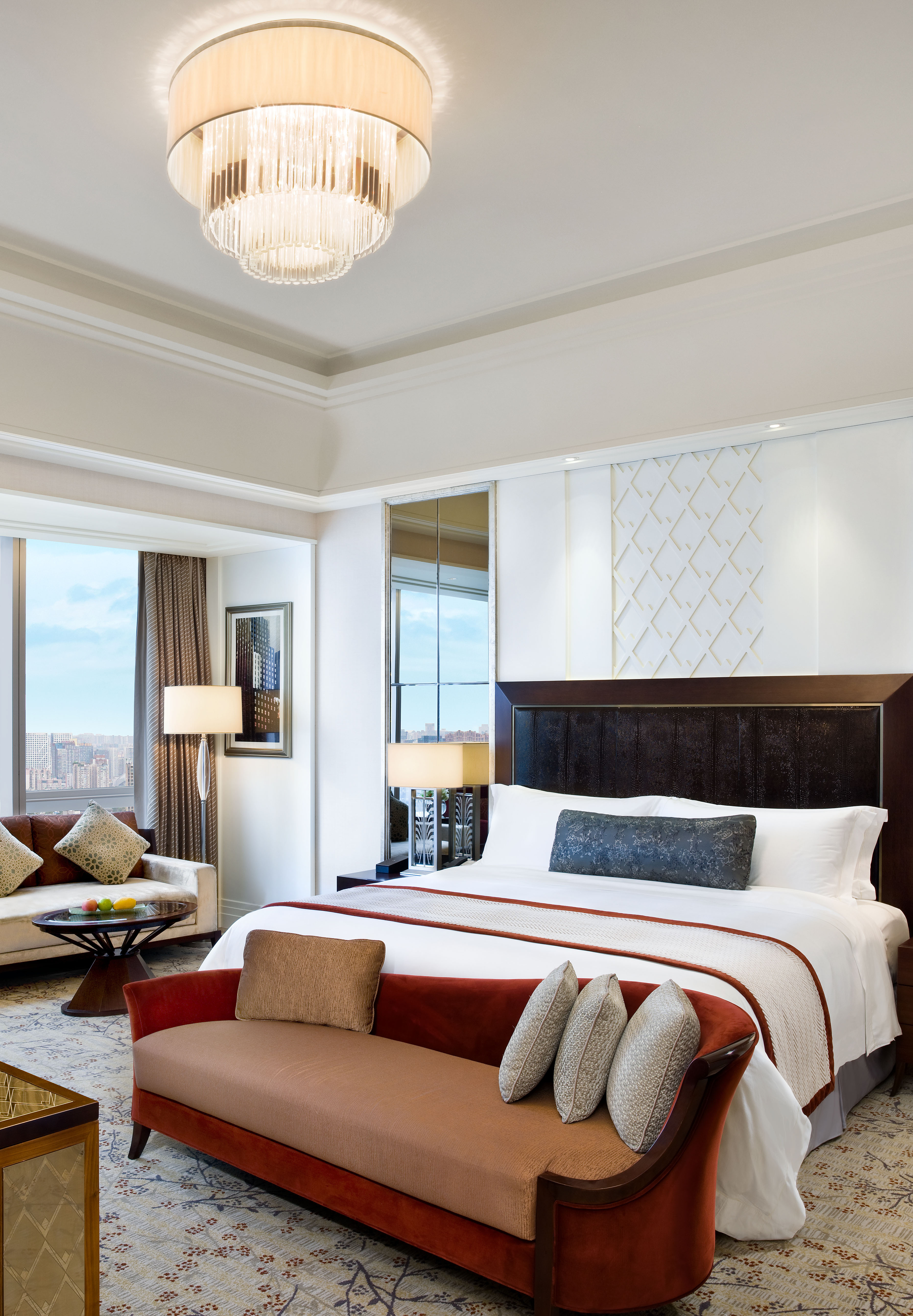 Fancy Hotel Room: Starwood Hotels & Resorts Set To Double Its Luxury