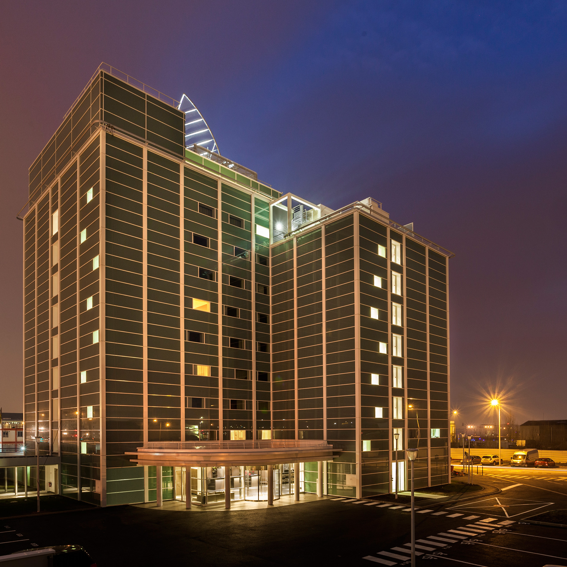 Ac hotels by marriott opens new hotel at paris le bourget for Hotel france