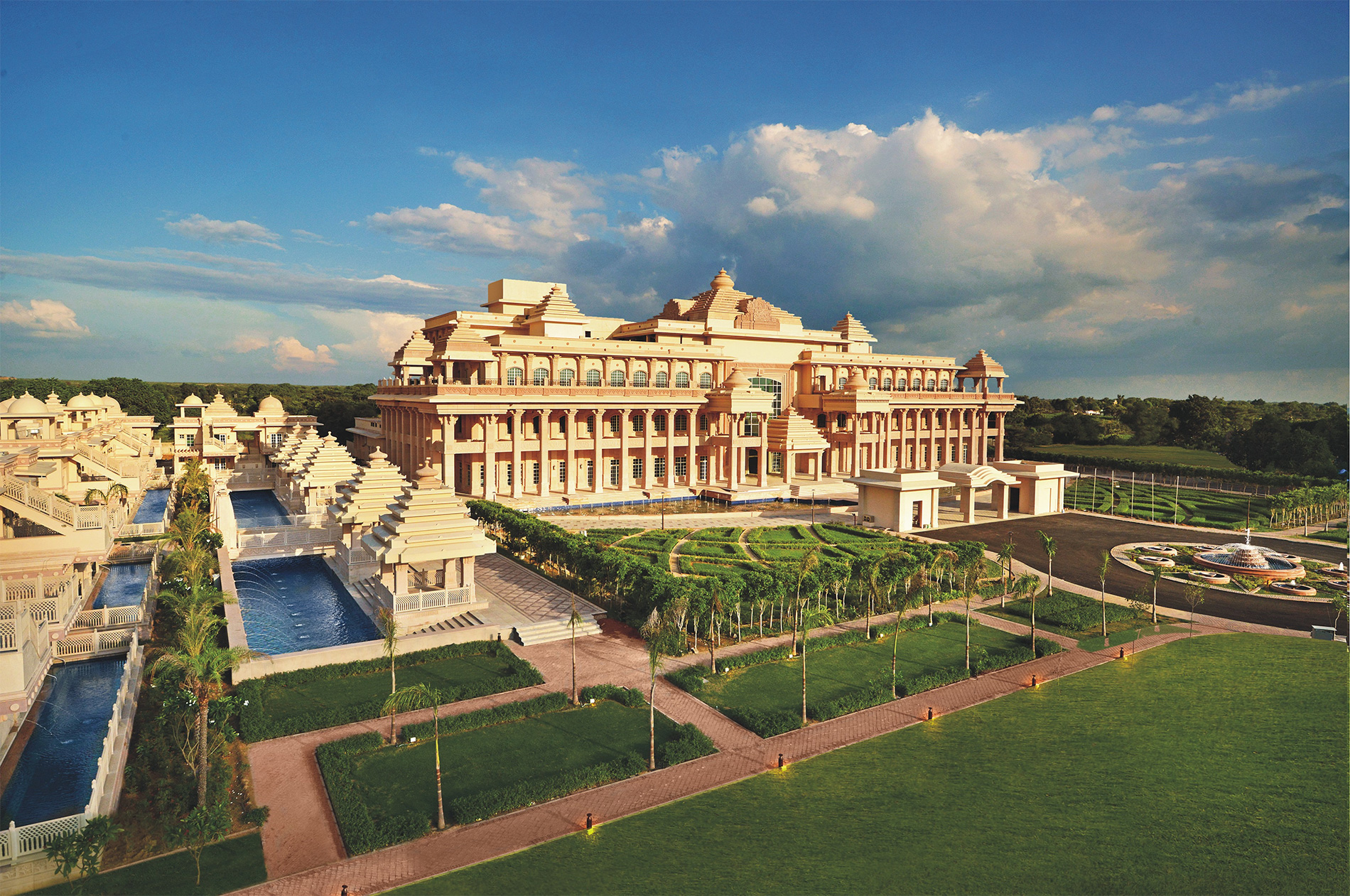 Itc Hotels Debuts The All Suite Grand Bharat In New Delhi S Capital Region