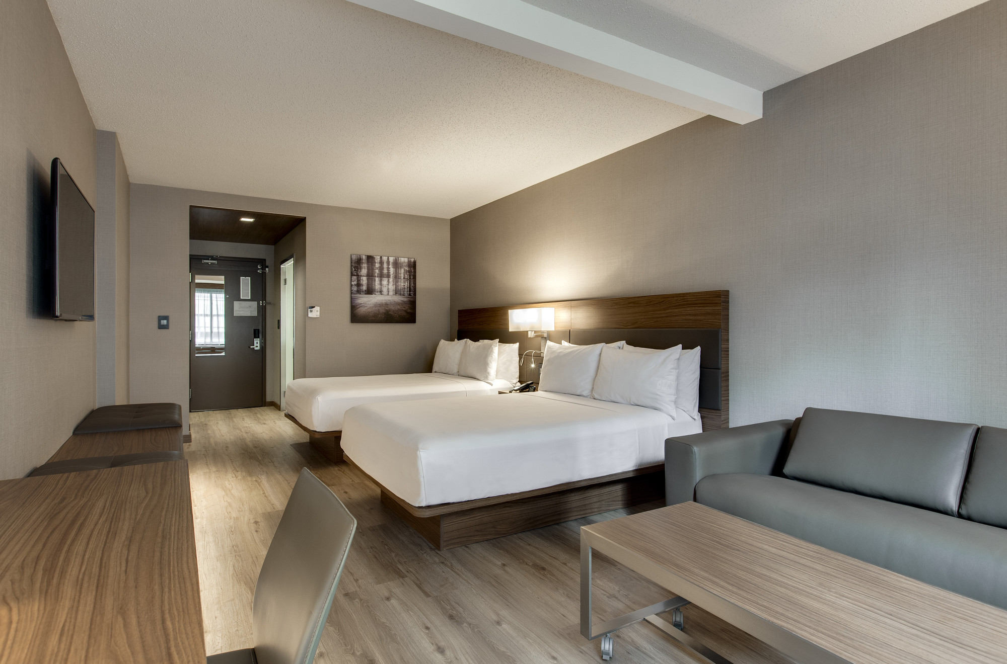 European Design And Style Come To Life At New Ac Hotel Chicago Downtown