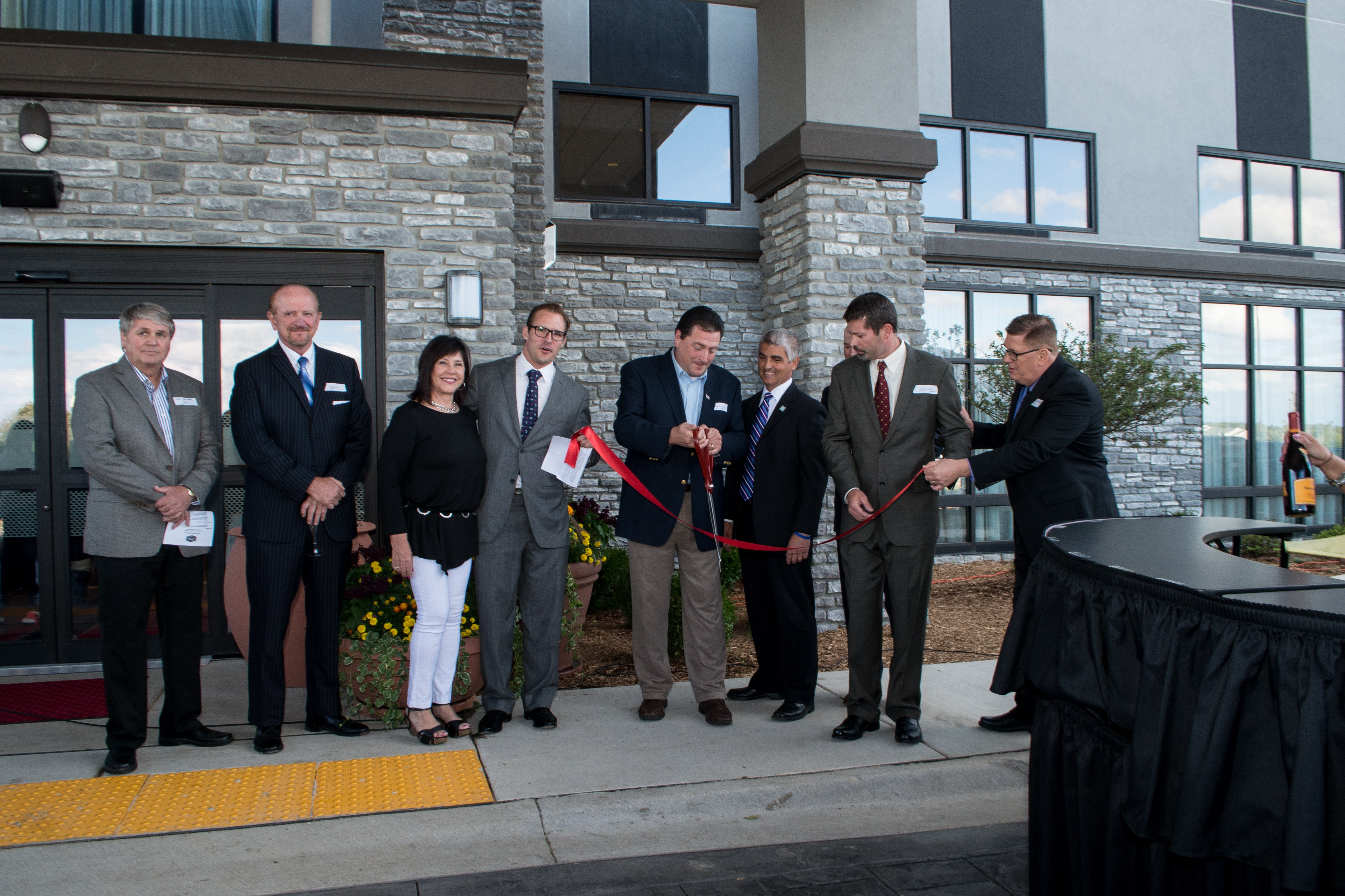 Kinseth Hospitality Companies Announces Ribbon Cutting Grand Opening Celebration At The Hampton Inn Suites Kenosha Wisconsin