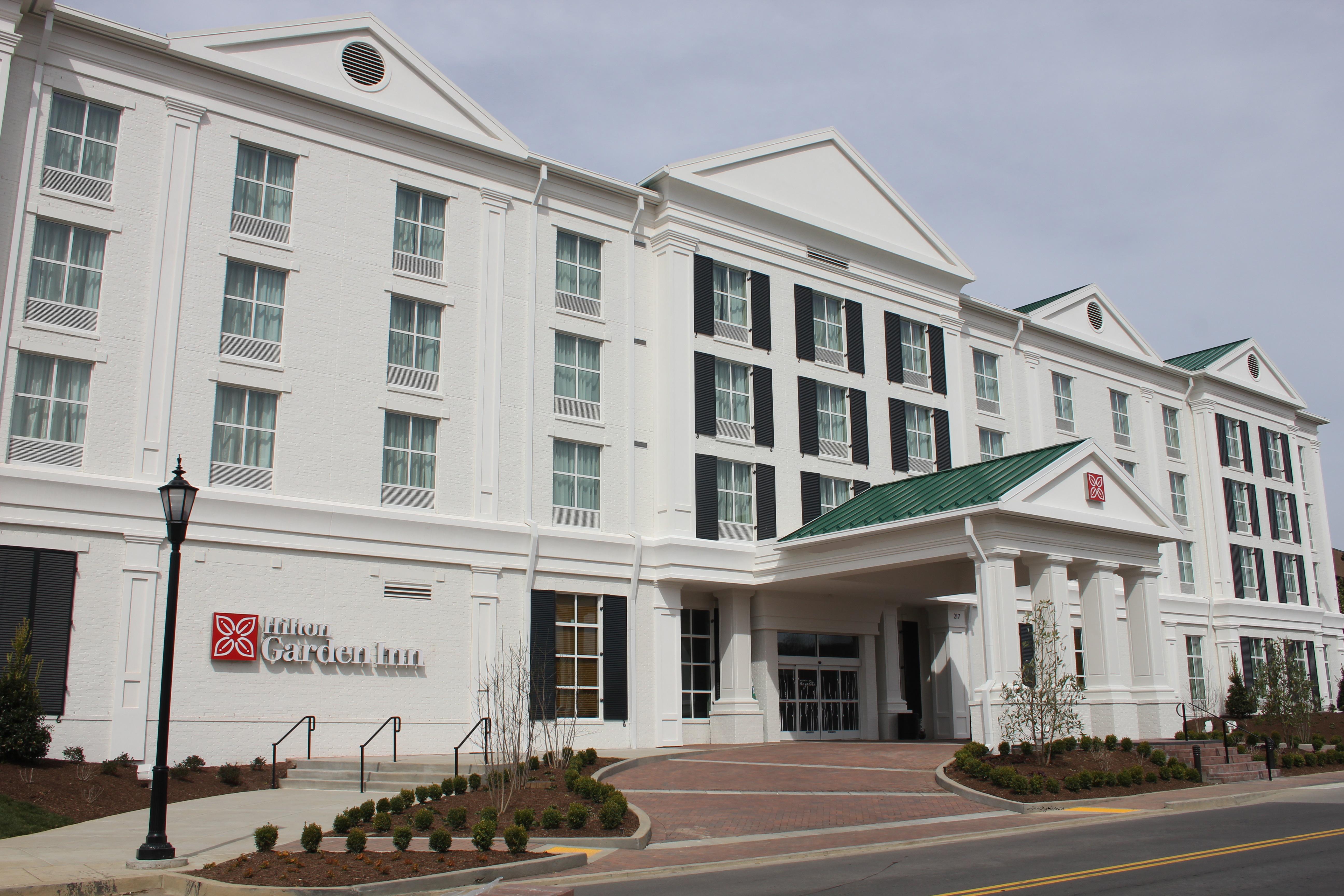 Hilton Garden Inn Opens New Property in Brentwood