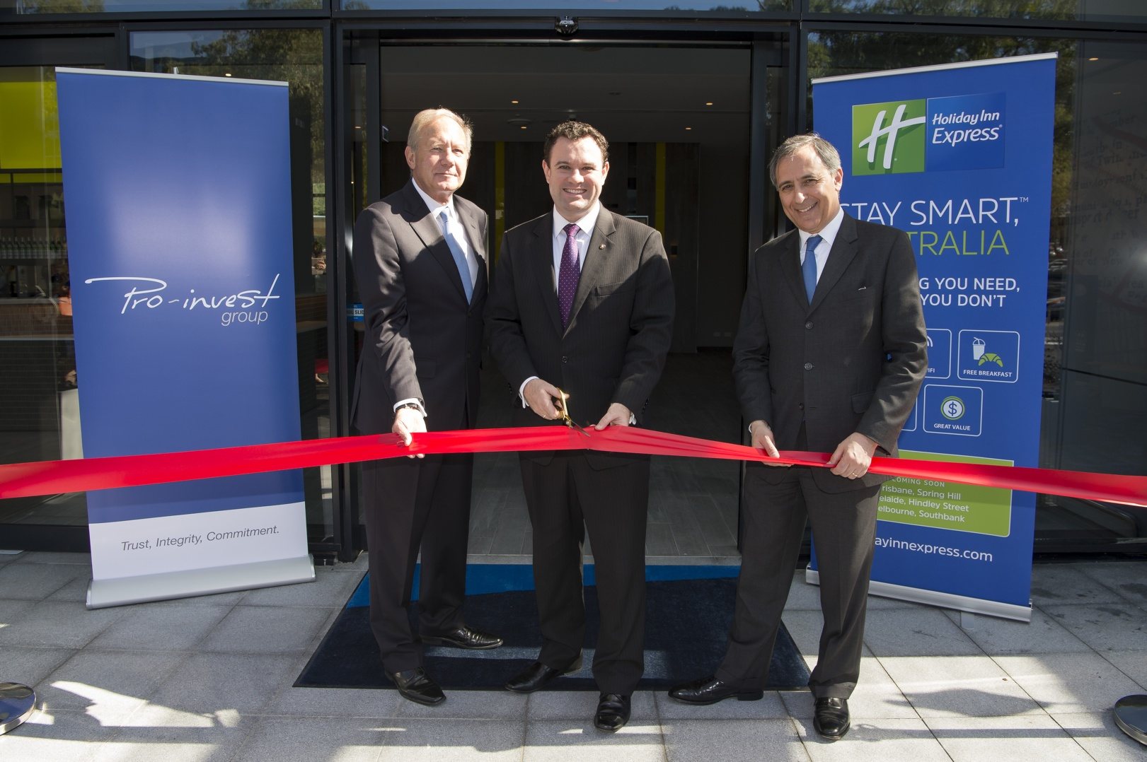 Holiday Inn Express Sydney Macquarie Park Ribbon Cutting By Ihg Ceo Pro Invest And New South Wales Minister For Trade Tourism Major Events