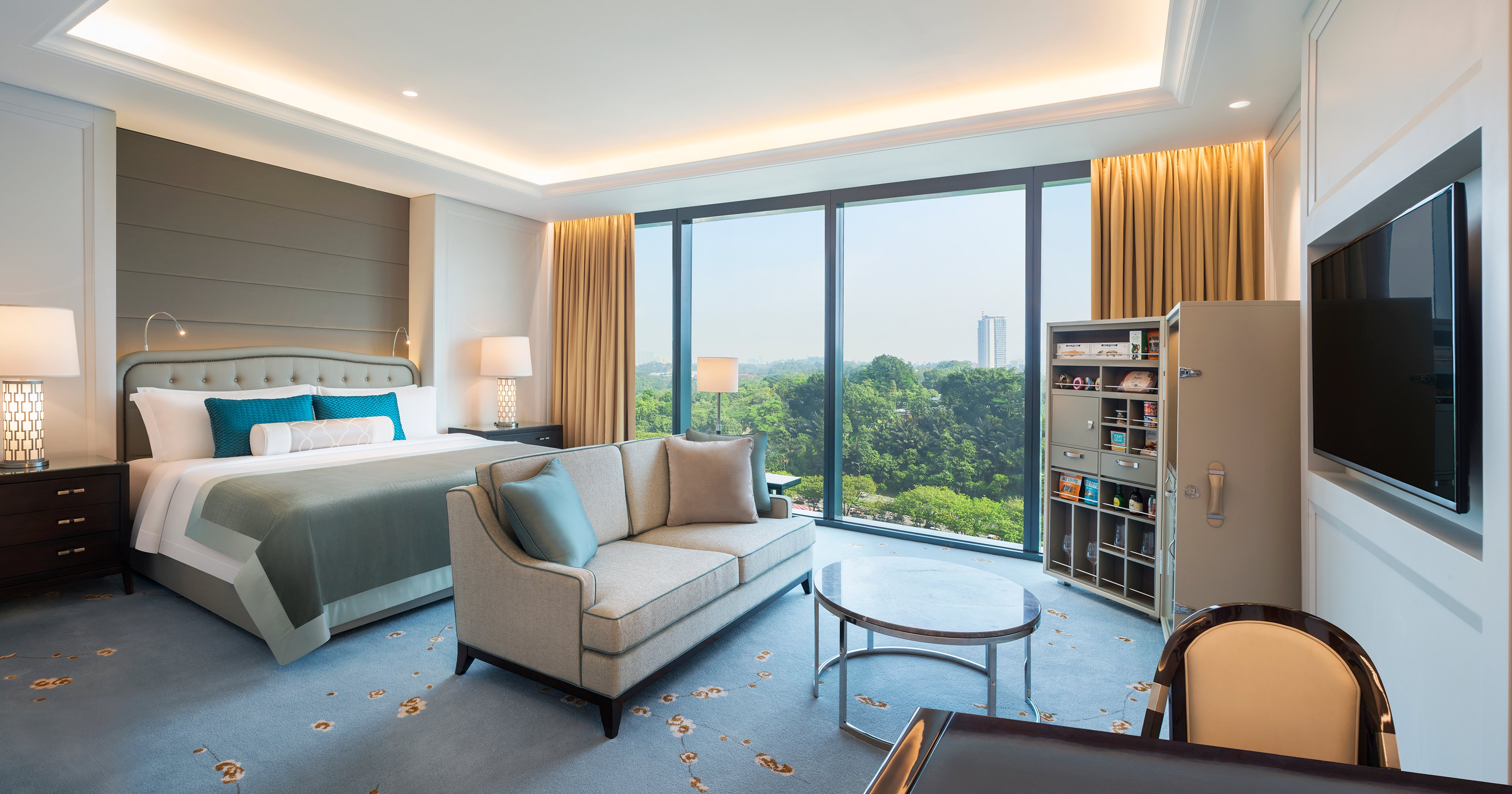 Starwood Hotels Resorts Sets New Luxury Benchmark In Malaysias Capital City With The Debut Of St Regis Kuala Lumpur