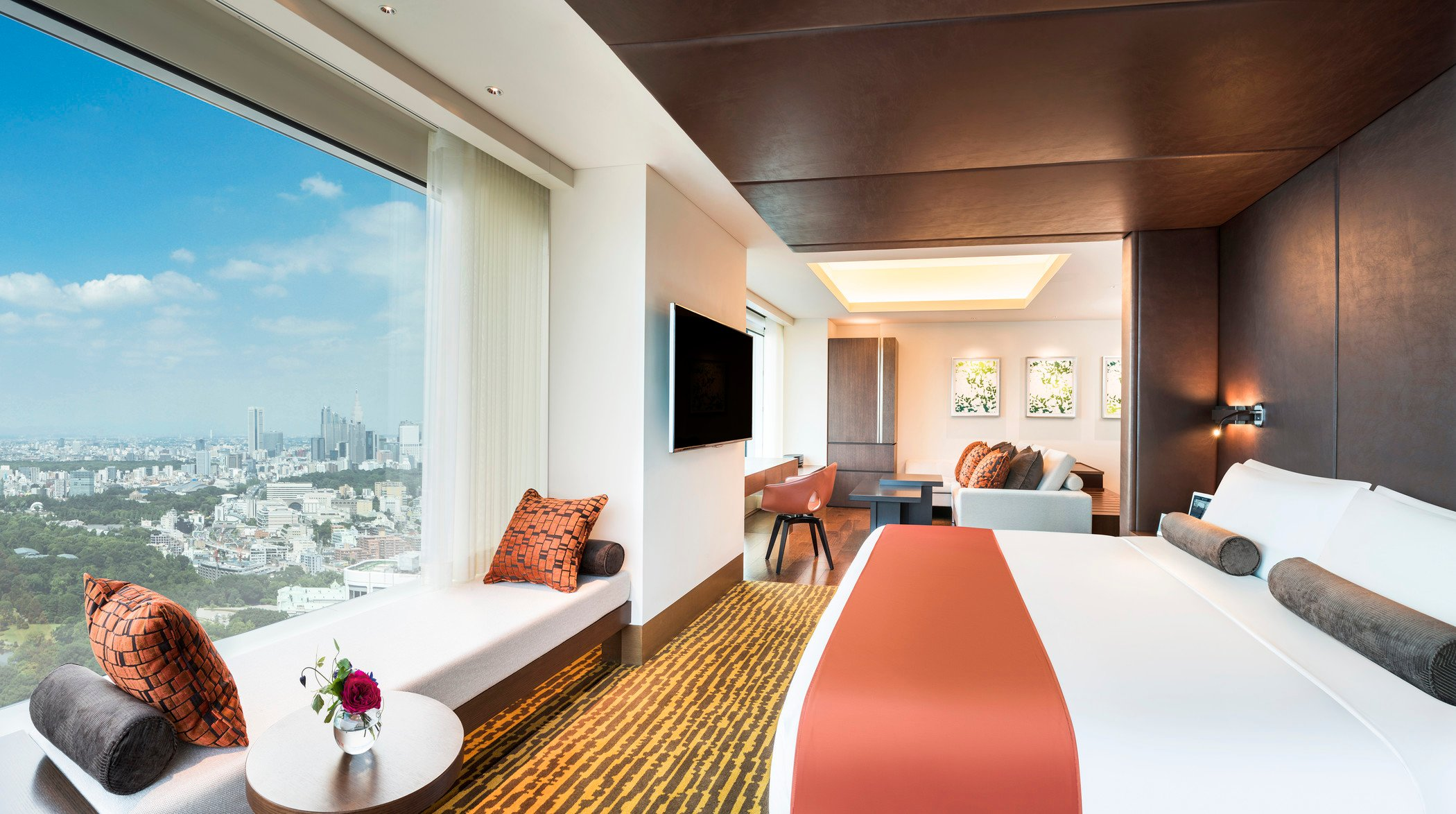 Starwood hotels resorts unveils first luxury hotel in tokyo