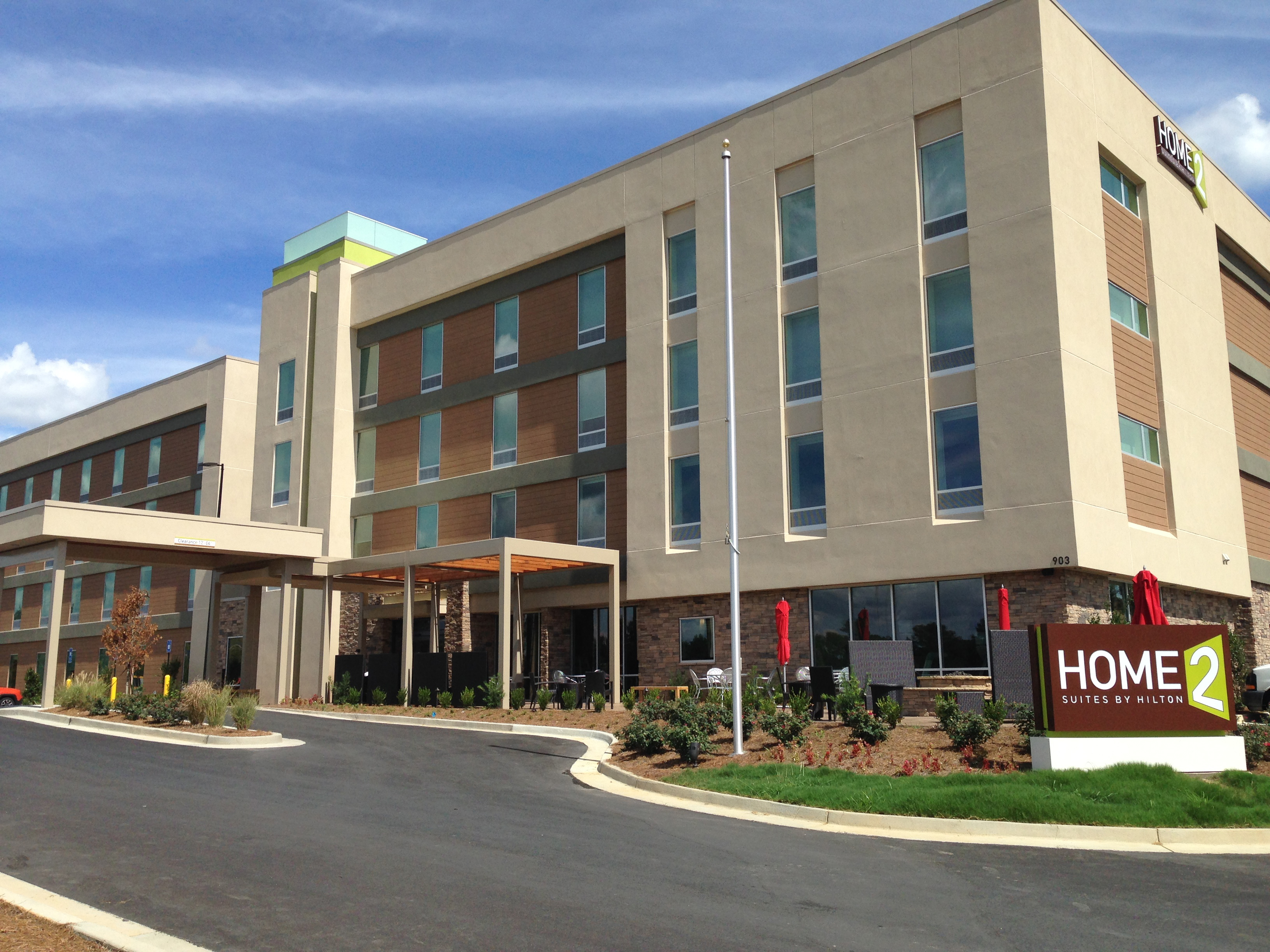 Home2 suites by hilton opens newest property in grovetown for Homes 2