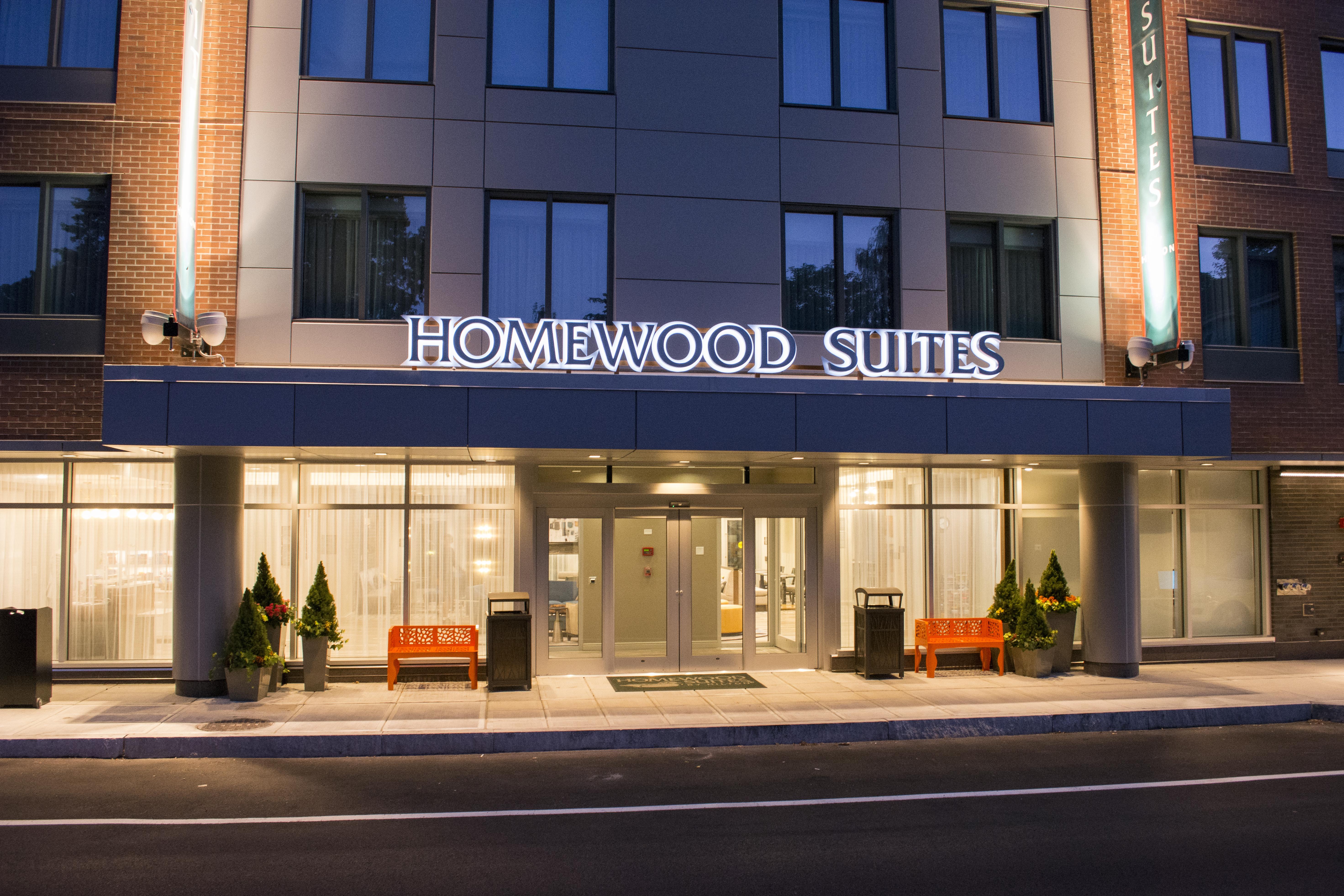 Brookline Hilton Homewood Suites Exterior
