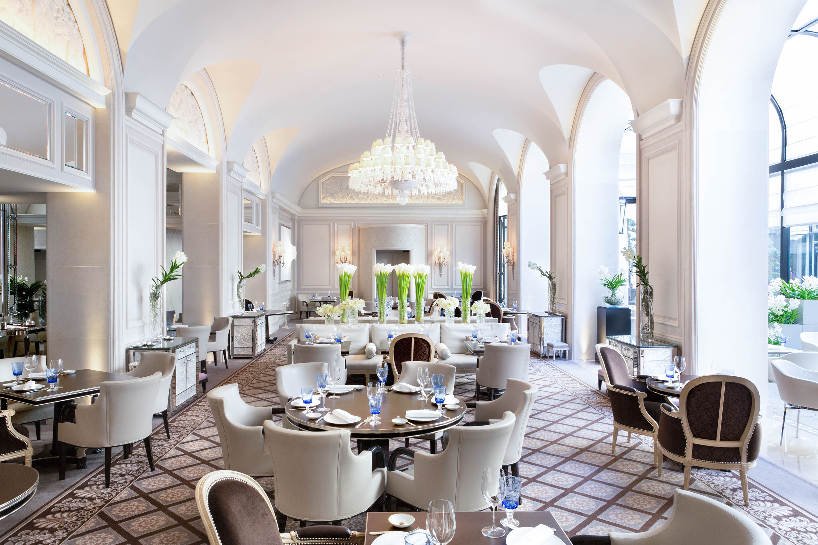 Four Seasons Hotel George V Paris Becomes The First In Europe To House Three Restaurants Recognised By Coveted Michelin Award For A Total Of Five