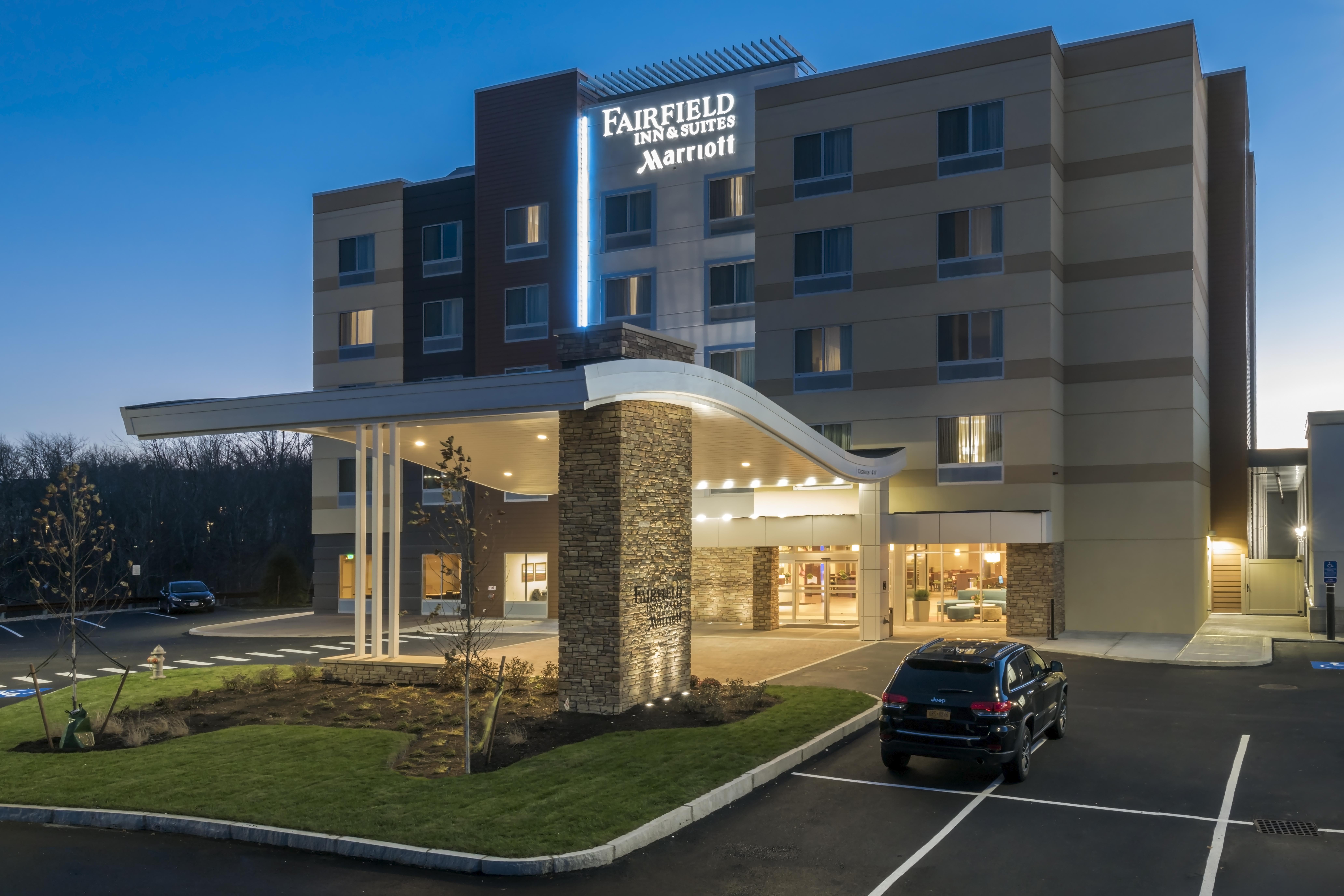 Fairfield Inn Suites By Marriott Boston Marlborough Apex Center