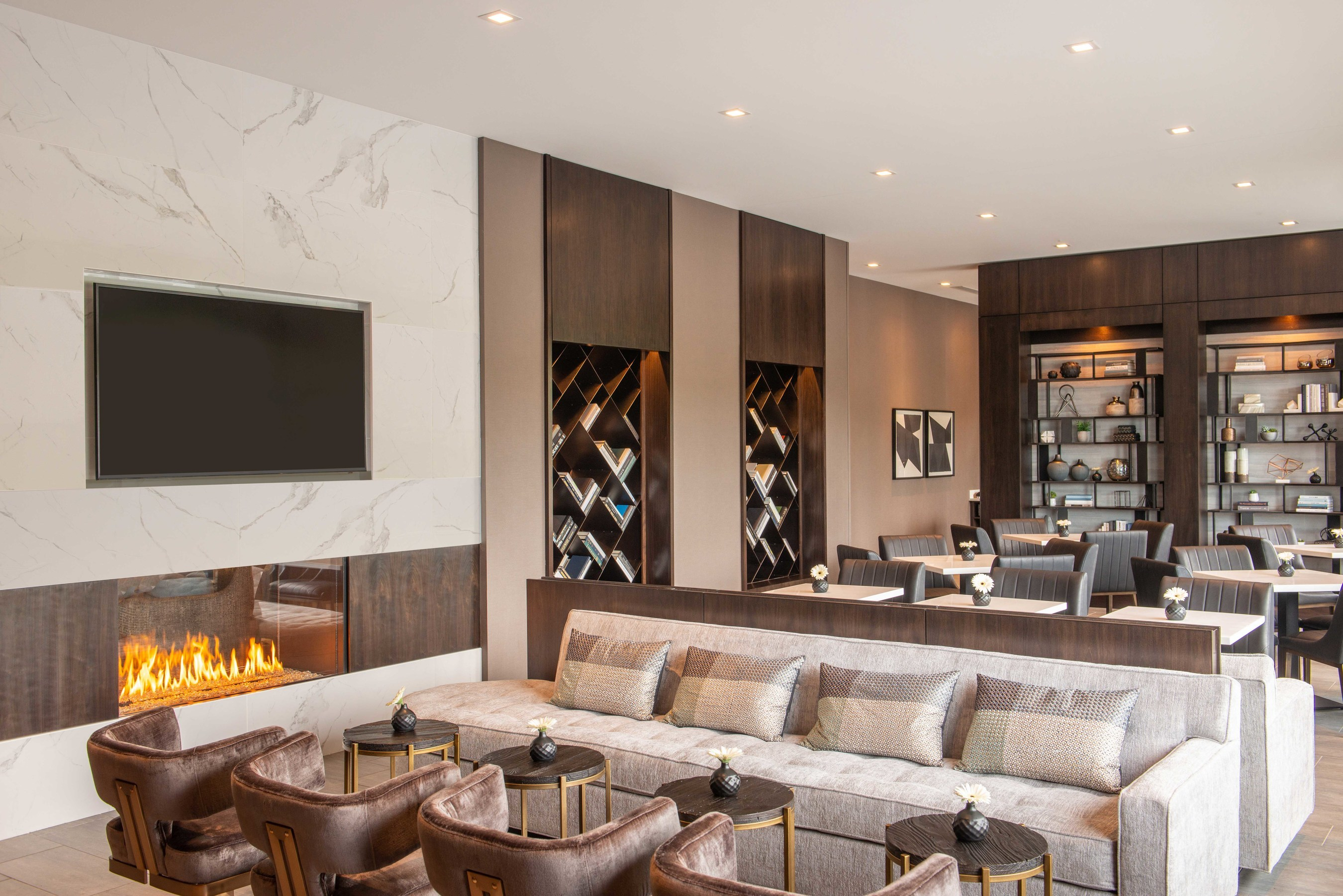 Colwen Hotels and IHG announce the opening of Holiday Inn Boston ...