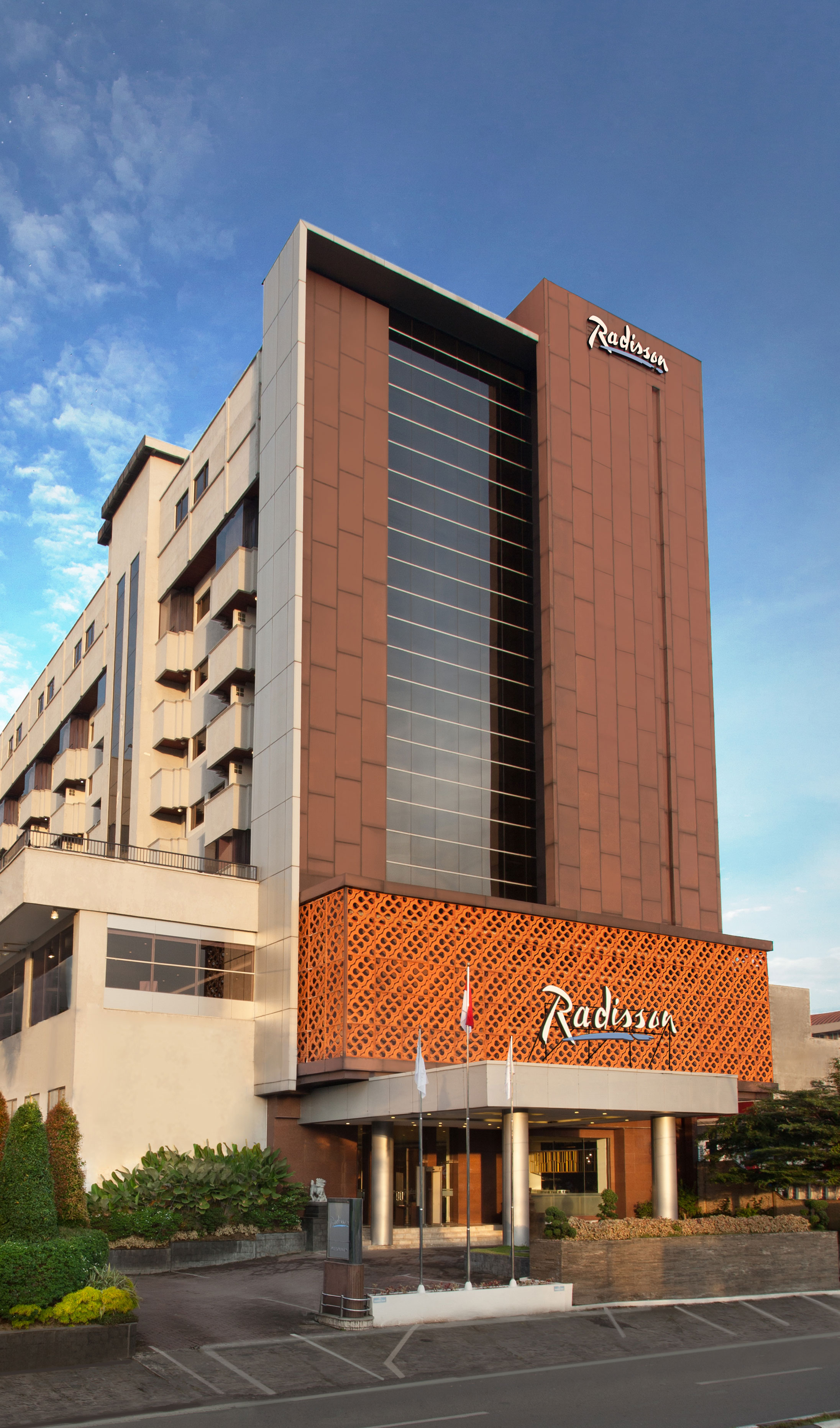 Αποτέλεσμα εικόνας για Radisson Brings World-Class Hospitality and Extensive Event Space To Medan