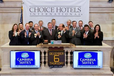 Steve Joyce and the Choice Hotels Executive Team ring the bell on the New York Stock Exchange