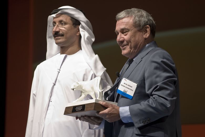 Sultan bin Sulayem, Chairman of Dubai World wins the AHIC 2009 Leadership Award