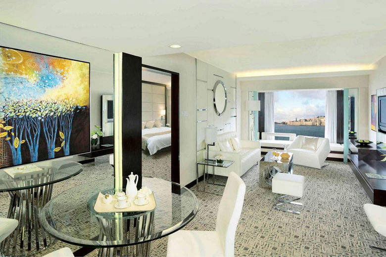 New Regal Club Suite at Regal Kowloon Hotel