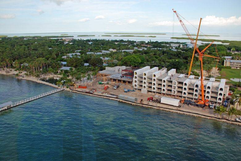 First Concrete Modular Pre Greened Luxury Hotel Suites In