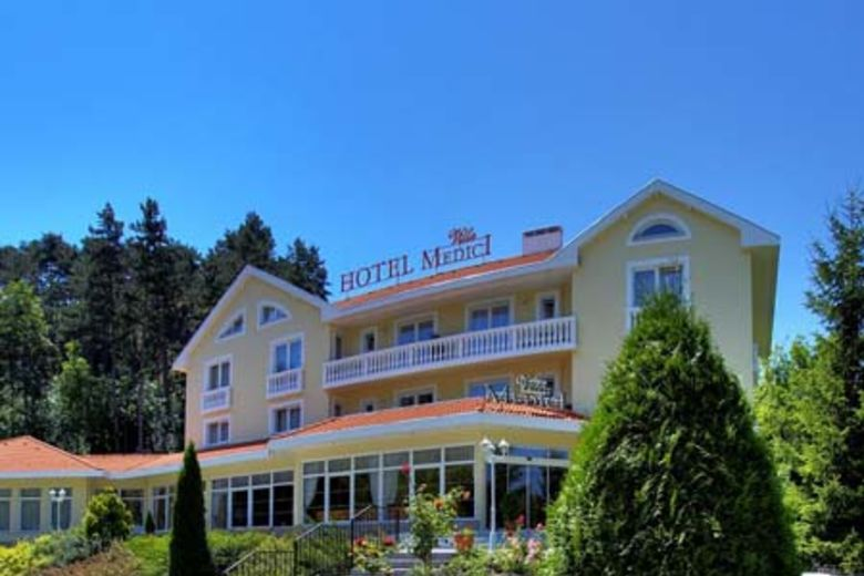Magnuson Hotels Expands to Hungary, Adds Villa Medici Hotel and Restaurant