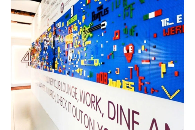 At New York Hotel, a Crowd-Sourced Lego Project | nytimes.com