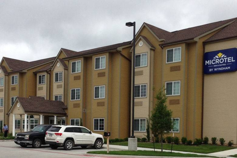 HMC Opens The Wyndham Microtel Inn & Suites In Kenedy, TX