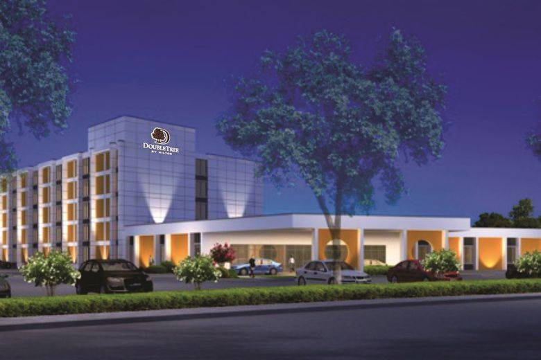 Hotel Equities Celebrates Opening of DoubleTree Arlington DFW South
