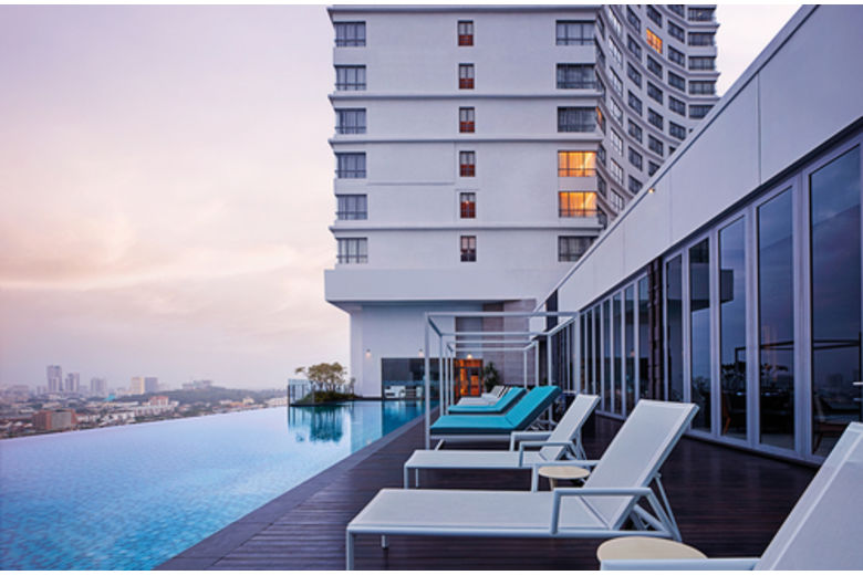 DoubleTree by Hilton Celebrates 50th Opening in Asia