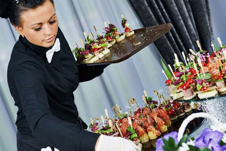 5 Ways to Retain Staff in the Hospitality Industry
