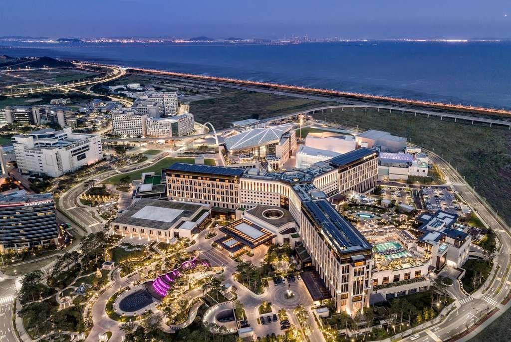 Paradise City, Korea Uses the InvoTech Uniform Management System