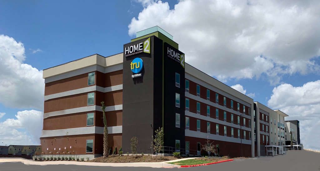 Hilton Expands Multi-Brand Footprint with New Dual-Flag